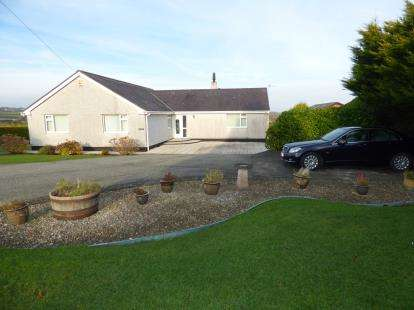 4 Bedrooms Bungalow for sale in Pentraeth, Red Wharf Bay, Anglesey, North Wales, LL75