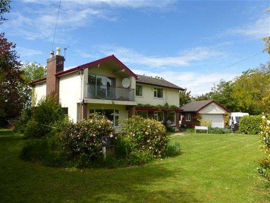 3 Bedrooms Detached House for sale in Raikes Road, Thornton Cleveleys, Lancashire, FY5 5LU