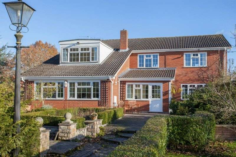 4 Bedrooms Detached House for sale in Wacton