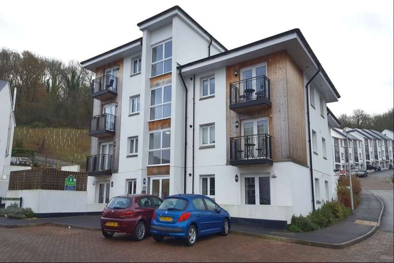 2 Bedrooms Flat for sale in Berkshire Close, Ogwell, Newton Abbot, TQ12