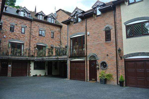 4 Bedrooms Semi Detached House for sale in The Old Mill Courtyard, Bullocks Row, Walsall