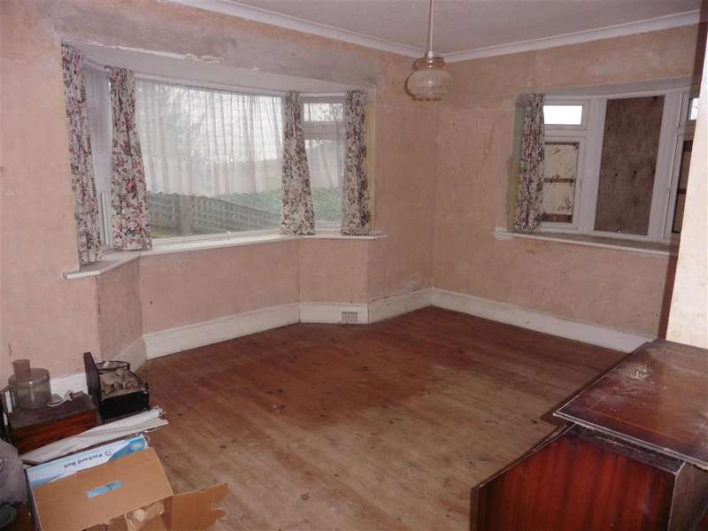 2 Bedrooms Bungalow for sale in Beech Grove, Brighton, East Sussex