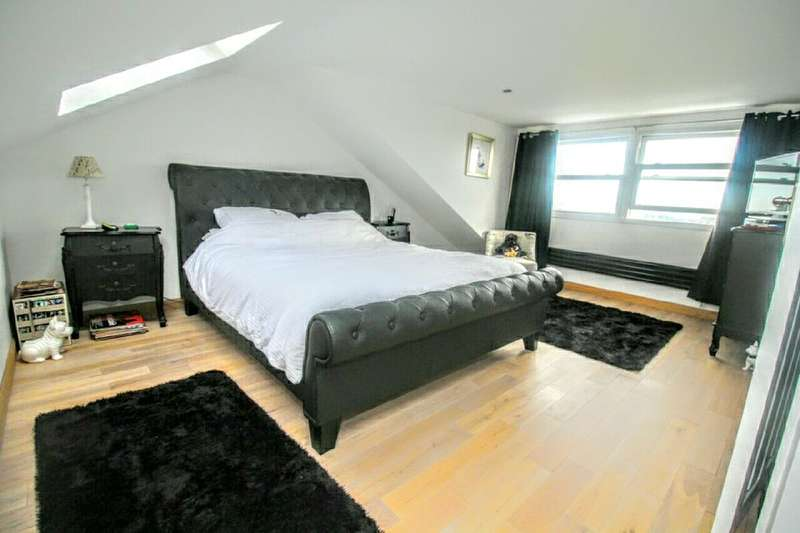 3 Bedrooms Property for sale in Grindle Close, Portchester, Fareham, PO16