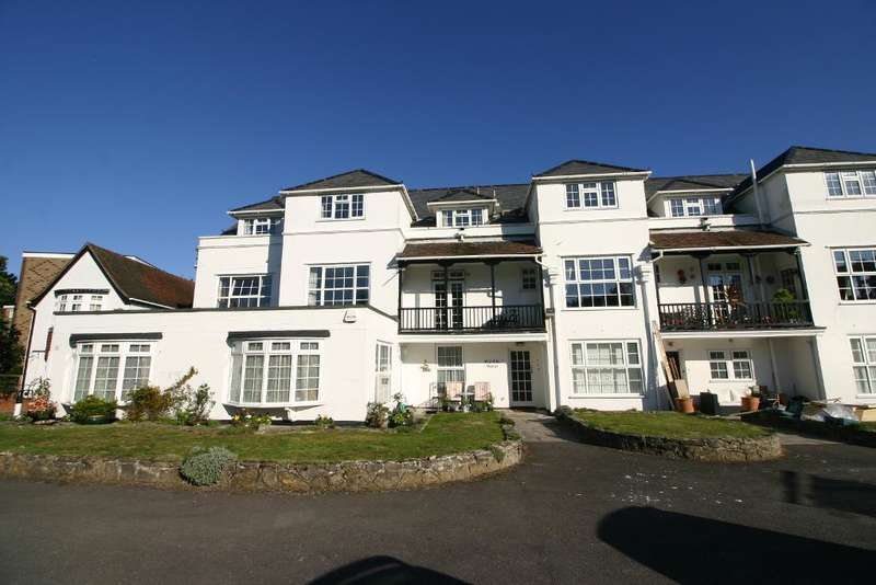 2 Bedrooms Apartment Flat for sale in Green Lane, Hamble, Southampton, SO31 4GB