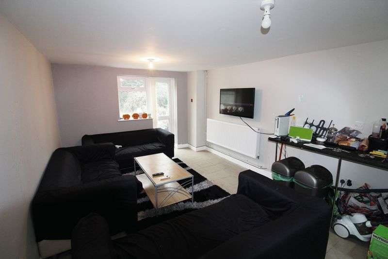 7 Bedrooms Terraced House for rent in Hirwain Street, Cardiff