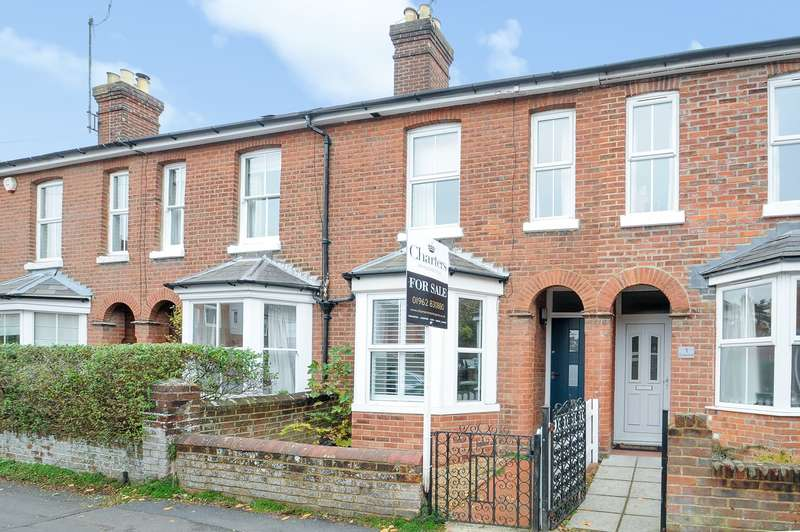 3 Bedrooms Terraced House for sale in Cranworth Road, Winchester, SO22