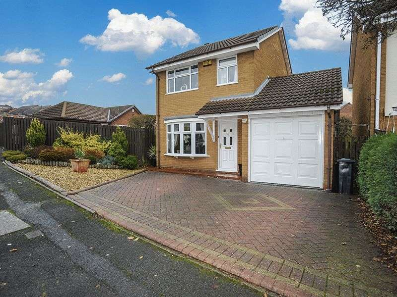 3 Bedrooms Detached House for sale in Cumberland Close, Kingswinford