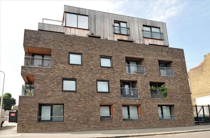 1 Bedroom Flat for sale in Warham Street, Kennington, London, SE5