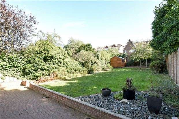 4 Bedrooms Semi Detached House for sale in Springwell Road, London, SW16