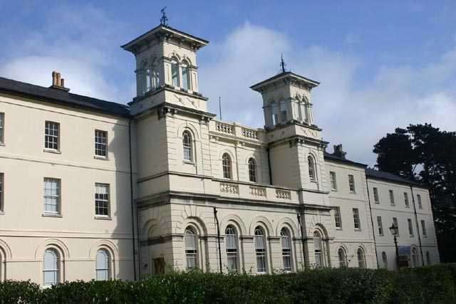5 Bedrooms Apartment Flat for sale in Royal Victoria Country Park, Netley Abbey, Southampton, SO31 5GA