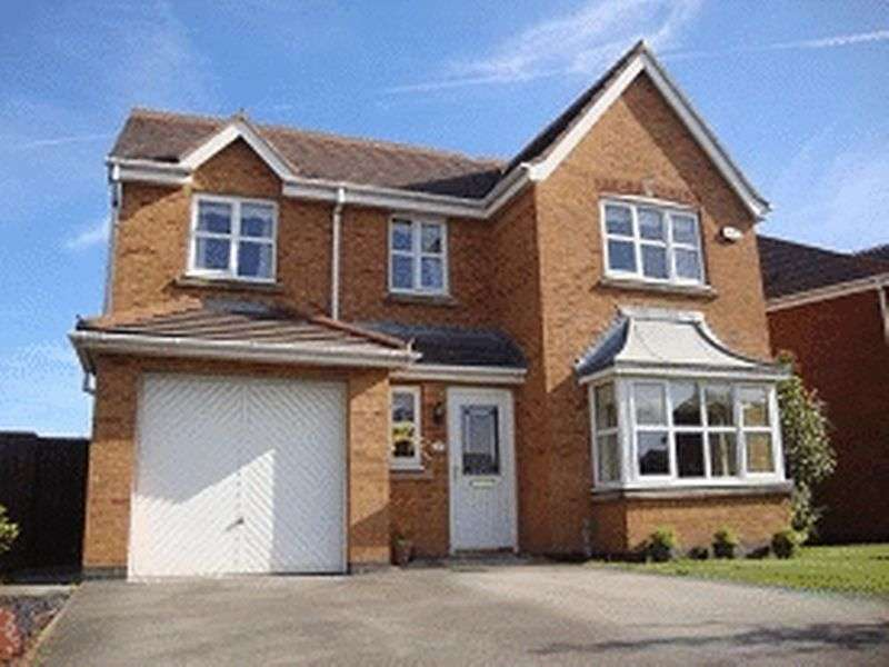 4 Bedrooms Detached House for sale in Honeysuckle Grove, Hesketh Bank, Preston