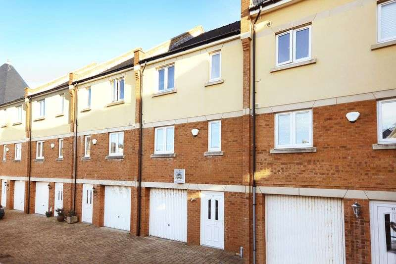 3 Bedrooms Terraced House for sale in Passage Close, Weymouth, DT4