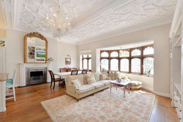 4 Bedrooms Terraced House for sale in Ennismore Gardens, London, SW7
