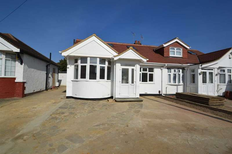 4 Bedrooms Semi Detached Bungalow for sale in Clayhall Avenue, Clayhall, Essex