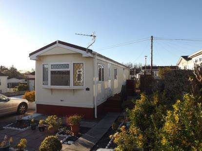 2 Bedrooms Mobile Home for sale in Bell Aire Park Homes, Middleton Road, Heysham, Morecambe, LA3