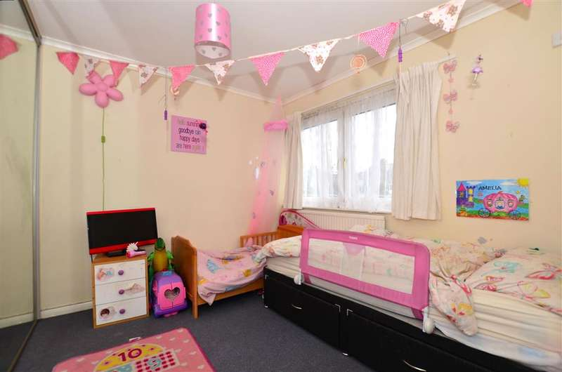 3 Bedrooms Terraced House for sale in Priory Close, Broadstairs, Kent