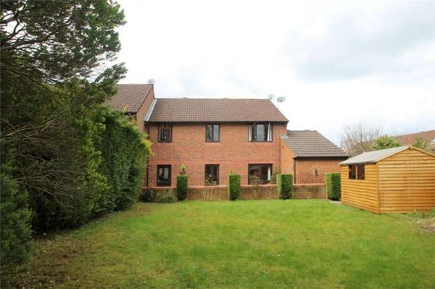 3 Bedrooms Terraced House for sale in Goldsworth Park, Woking