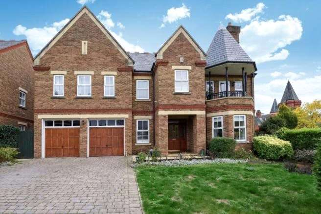 7 Bedrooms Detached House for sale in Clarence Gate, Woodford Green, Essex, IG8