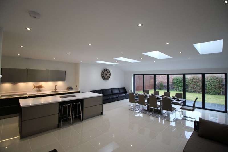 6 Bedrooms House for rent in Hoscote Park, West Kirby, Wirral