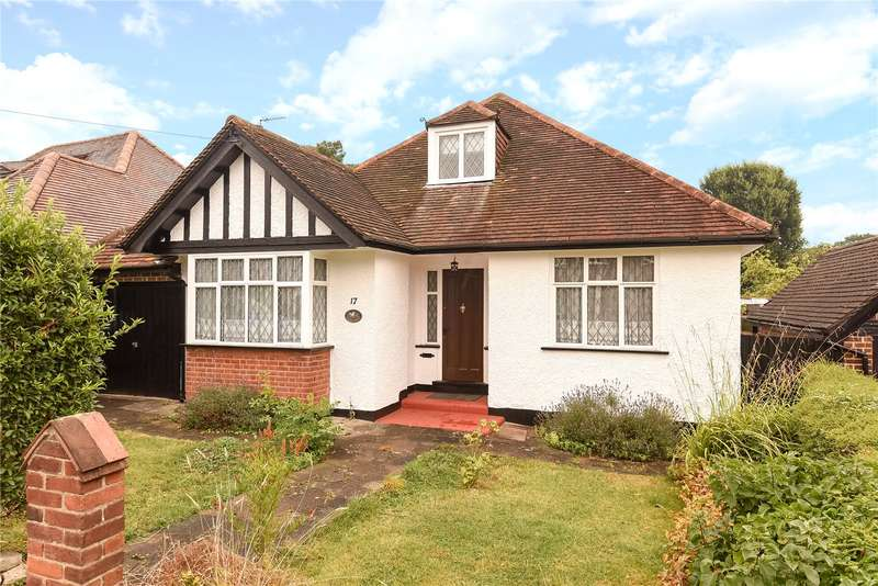 3 Bedrooms Bungalow for sale in Mead Way, Ruislip, Middlesex, HA4