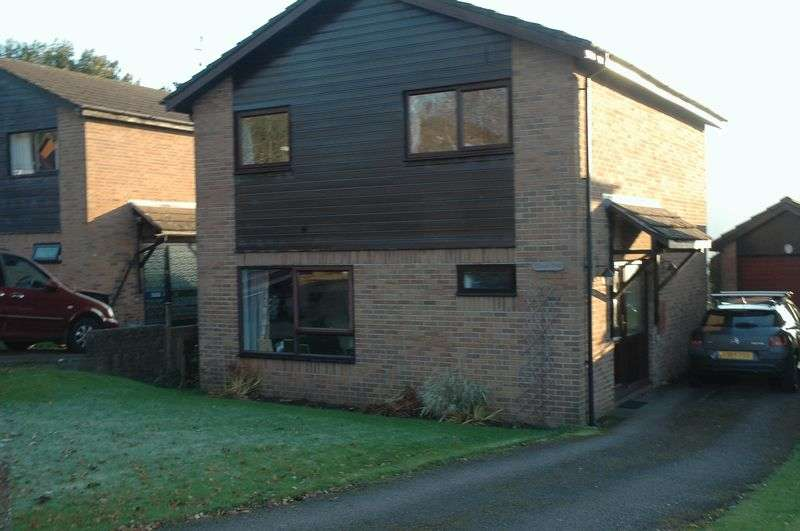 4 Bedrooms Detached House for sale in Chapel Close, Monmouth