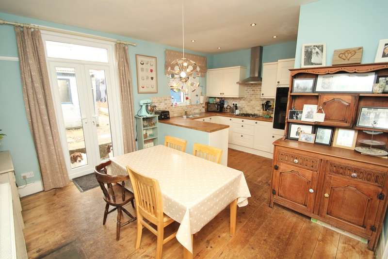 3 Bedrooms Terraced House for sale in Mutley, Plymouth