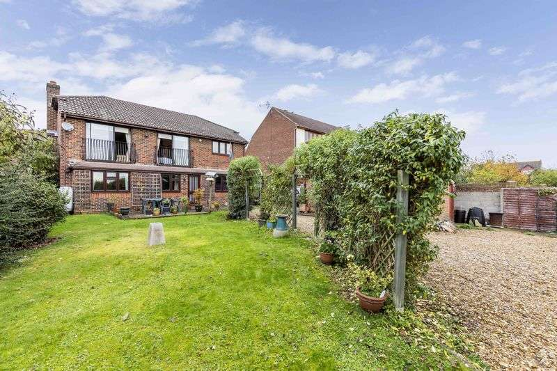 4 Bedrooms Detached House for sale in Down End, Drayton