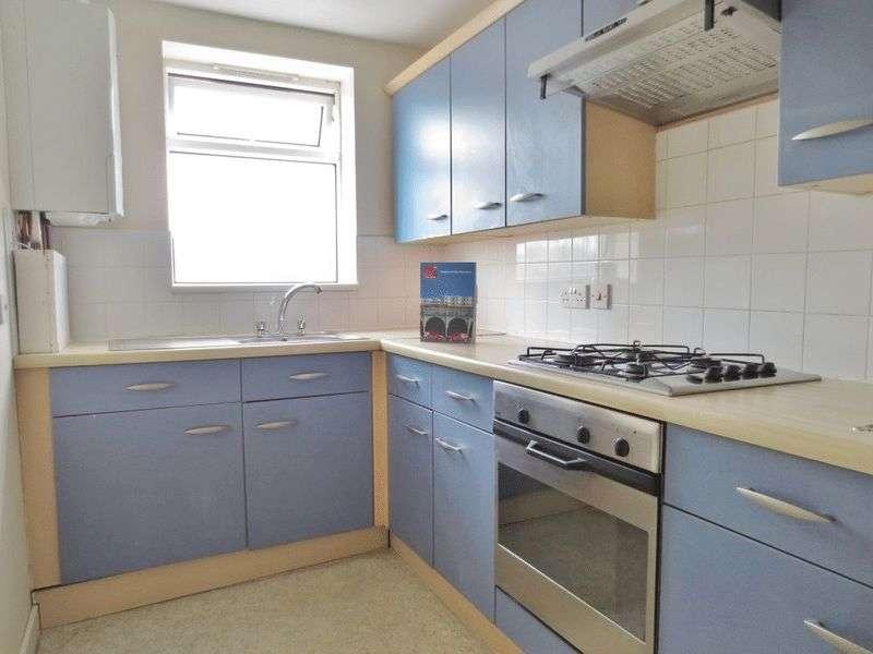 4 Bedrooms Terraced House for rent in Nesbitt Road, Brighton