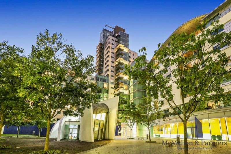 2 Bedrooms Flat for sale in Empire Square, London