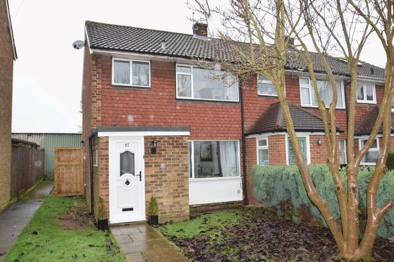 3 Bedrooms Semi Detached House for sale in Meadow Drive, Amersham
