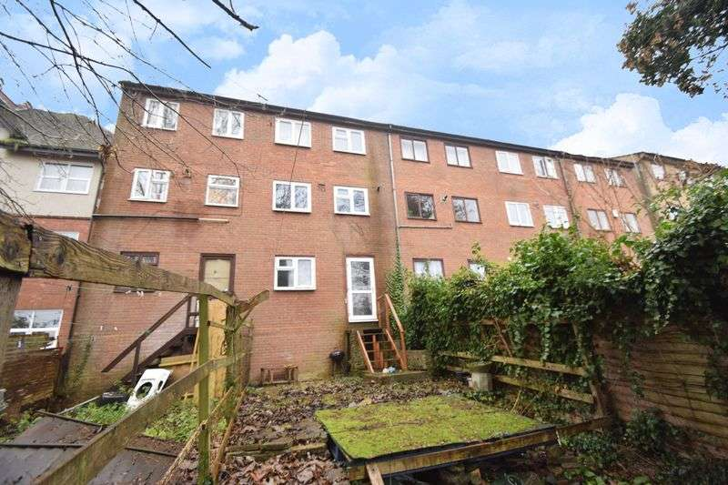 4 Bedrooms Terraced House for sale in Downs Road, Luton