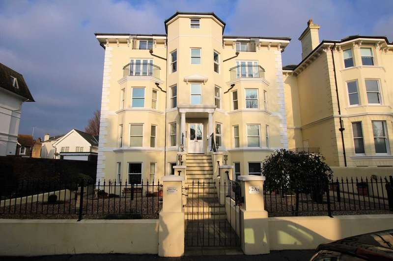 2 Bedrooms Flat for sale in Trinity Trees, Eastbourne, BN21 3LD