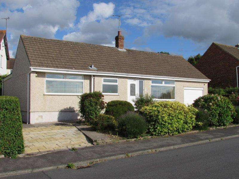 2 Bedrooms Bungalow for sale in Princess Avenue, Rhos on Sea, Conwy, LL28 4TU
