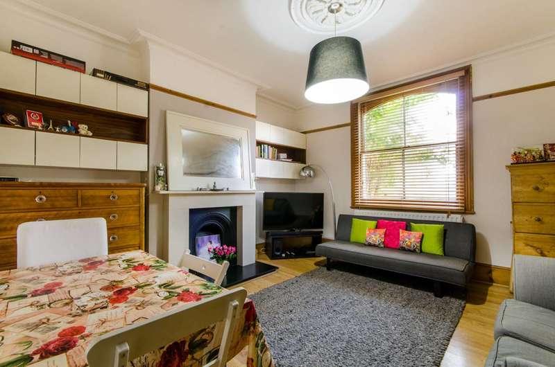 1 Bedroom Flat for sale in Henry Road, East Barnet, EN4