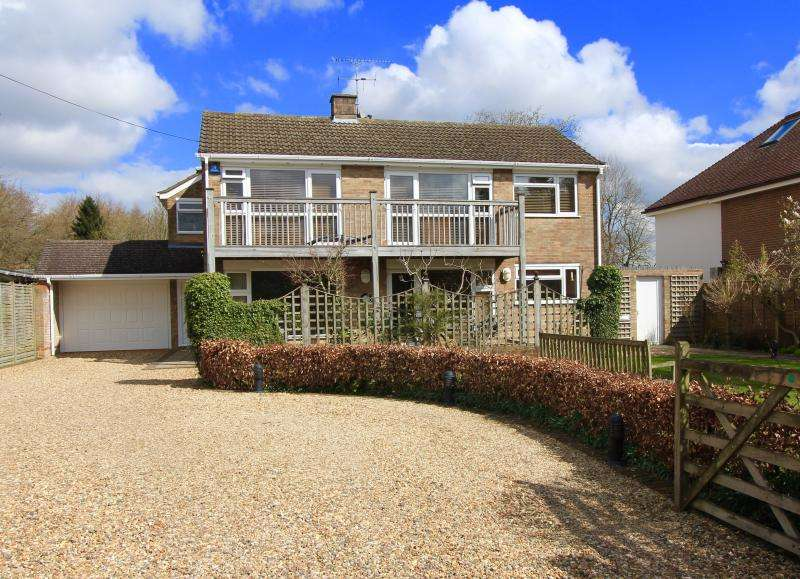 5 Bedrooms Detached House for sale in Broomfield Close, Great Missenden, HP16