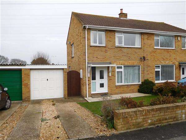 3 Bedrooms Semi Detached House for sale in Harkwood Drive, Poole