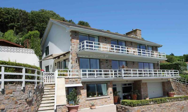 4 Bedrooms Detached House for sale in St Martin