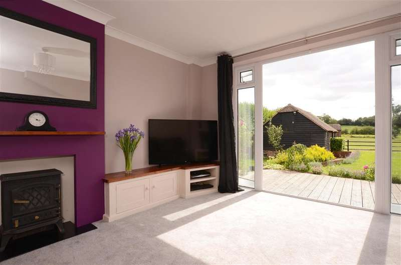 3 Bedrooms Semi Detached House for sale in Eastbourne Road, Halland, Lewes, East Sussex