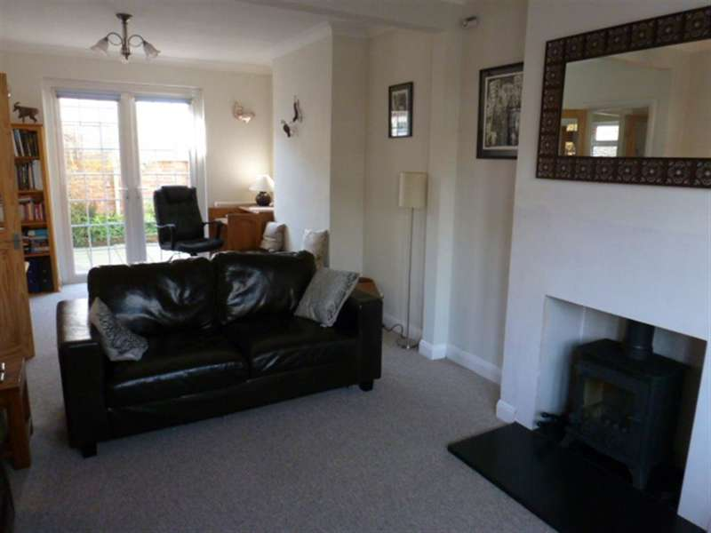 3 Bedrooms Detached House for sale in Selden Lane, Worthing, West Sussex