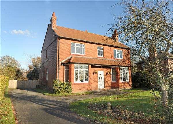4 Bedrooms Detached House for sale in 234 Glazebrook Lane, Glazebrook WA3 5AX