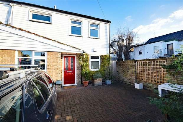3 Bedrooms Semi Detached House for sale in Second Cross Road, Twickenham