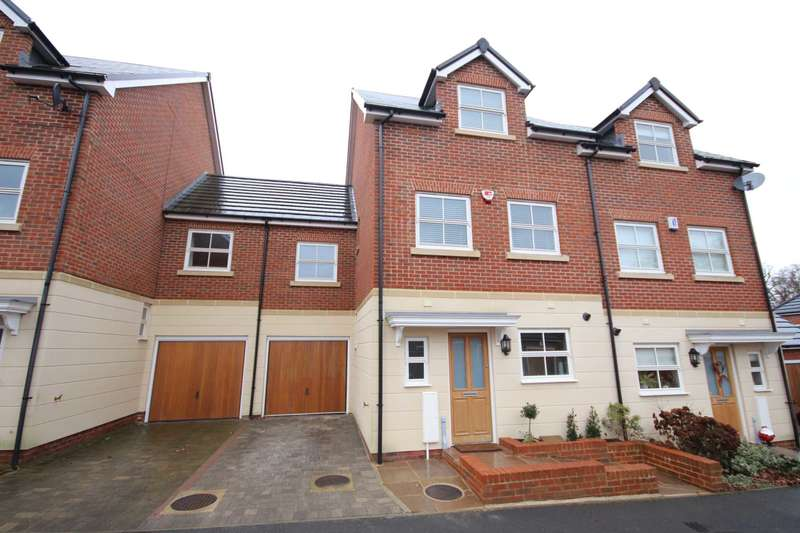 4 Bedrooms Semi Detached House for sale in Rufford Gate, Bracknell