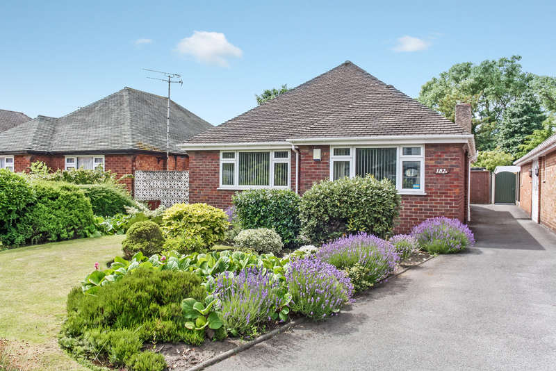 2 Bedrooms Detached Bungalow for sale in Southbank Road, Southport