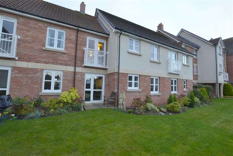 2 Bedrooms Property for sale in Burlington Court, Bridlington, East Yorkshire, YO16