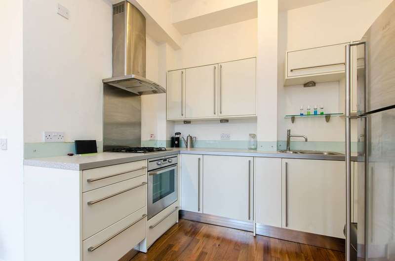 2 Bedrooms Flat for sale in Old Ford Road, Bow, E3