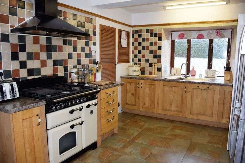 4 Bedrooms Detached House for sale in Half Acre Lane, Beaminster