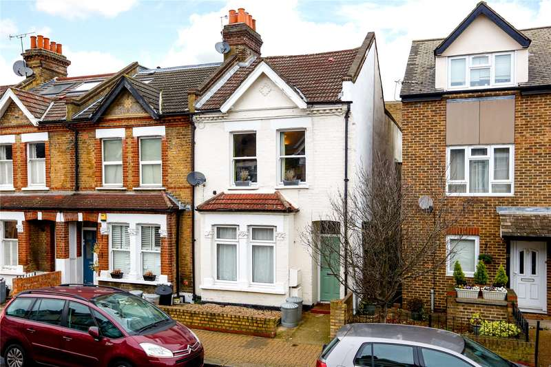 2 Bedrooms Flat for sale in Kimber Road, London, SW18