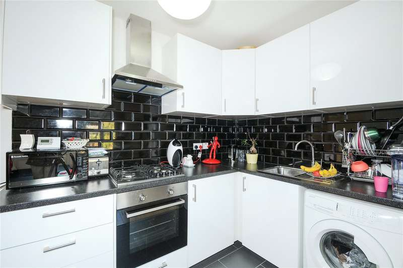 2 Bedrooms Maisonette Flat for sale in Priory Way, Harrow, Middlesex, HA2