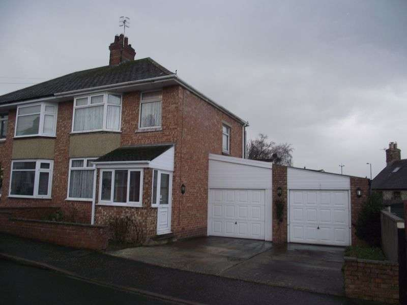 3 Bedrooms Semi Detached House for sale in Court Road, Weymouth