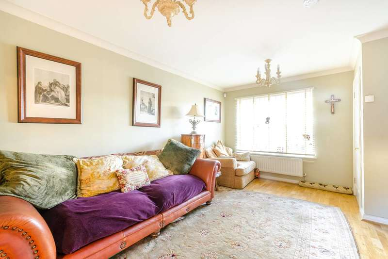 3 Bedrooms Terraced House for sale in Ashmore Close, Peckham, SE15